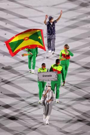 Sfilano le nazioni che partecipano ai Giochi