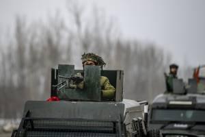 """Oltre 200 mila uomini al confine: la """"pace armata"""" che preoccupa Mosca"""