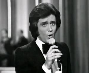 È morto Gianni Nazzaro: il cantante aveva 72 anni