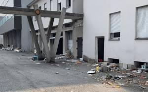 Migranti nell'edificio occupato dell'ex area casa editrice Ricordi