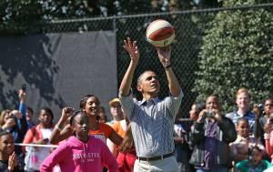 Obama investe sul basket africano. Ecco a cosa punta l'ex presidente