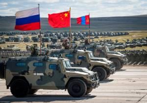 Mosca e Pechino muovono le truppe: ecco cosa può succedere