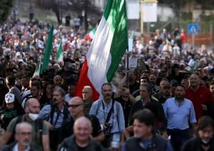 No pass in piazza e G20, la Capitale si blinda. Lamorgese ammette: periodo difficilissimo