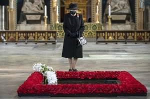 La (triste) verità dietro il ricovero della regina Elisabetta