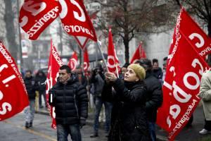 """""""No ai privati in sanità"""" Oggi il Pd in piazza con comunisti e grillini. E addio alla Regione"""