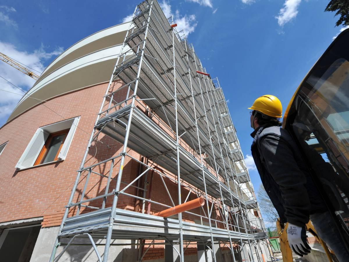 Anche il Pd vota il piano casa Moratti - ilGiornale.it