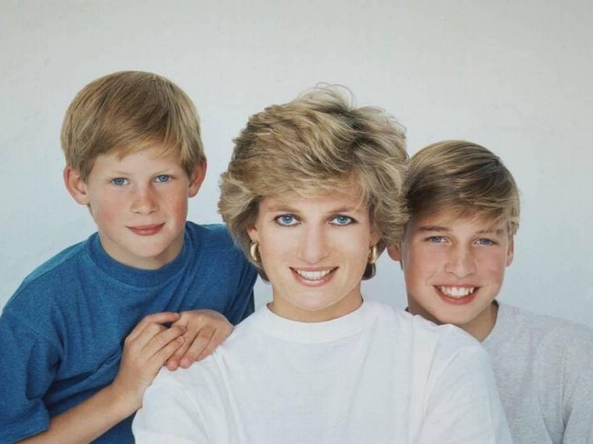 Foto Natale Famiglia Reale Inglese 1990.Lady Diana Esiliata A Natale Nel Palazzo Reale Senza William E Harry Ilgiornale It