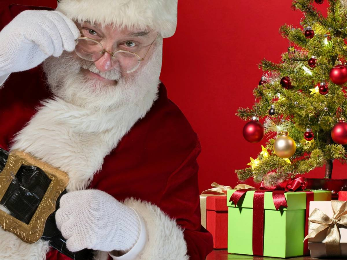 Babbo Natale Uomo Bello.Chi E Davvero Babbo Natale Ecco I Migliori Film Sulla Sua Storia Ilgiornale It