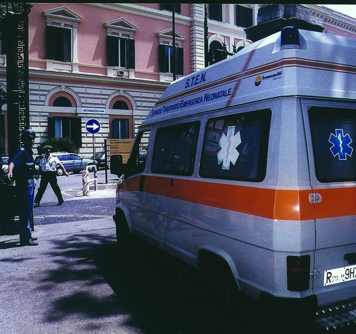 Re Fahd ricoverato in ospedale: stato d'allerta e congedi sospesi