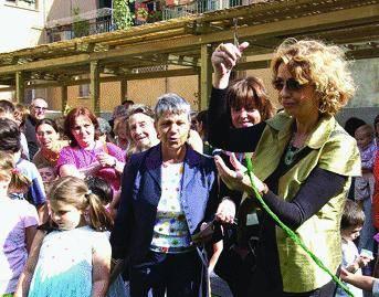 Enrica Bonaccorti «gioca» all'asilo Tollot