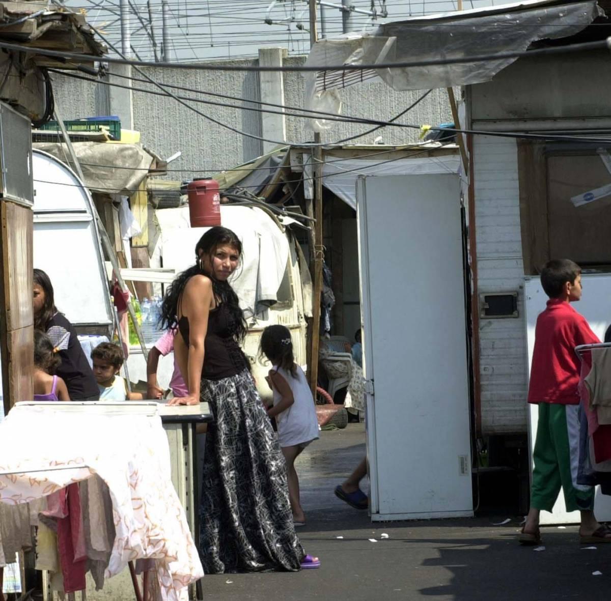 «Triboniano Via i rom abusivi dal campo»