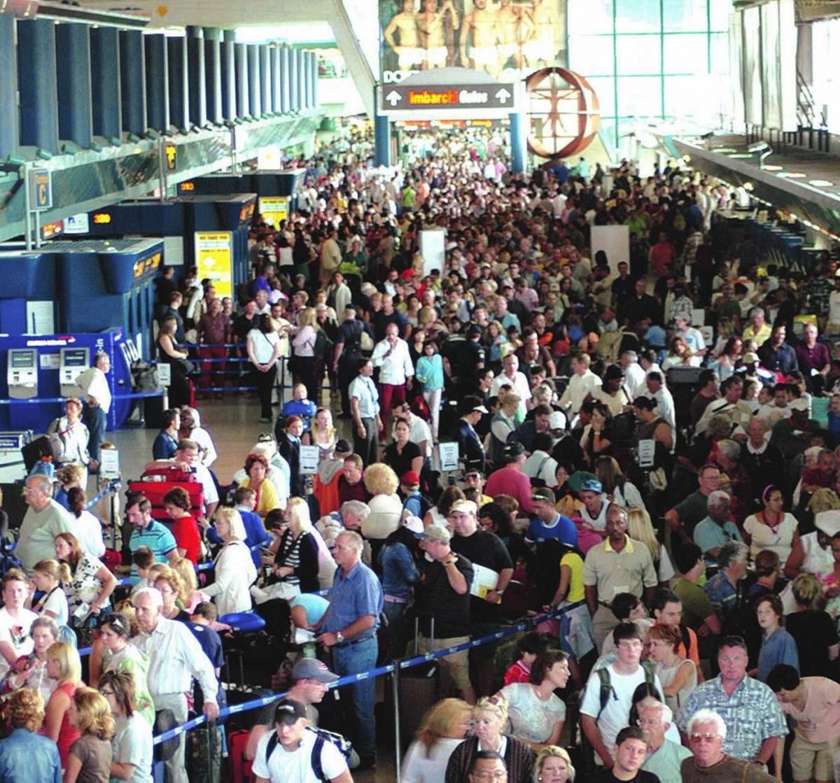 La paura non ferma i vacanzieri Giorni da record negli aeroporti