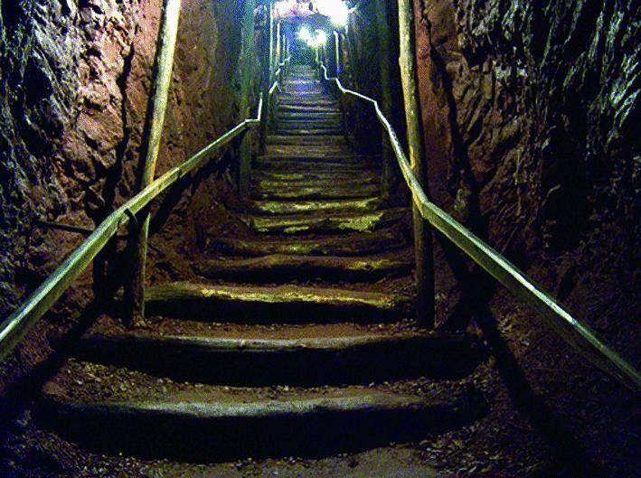 Nelle viscere della miniera sulle tracce del manganese