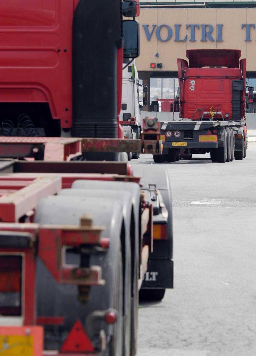 E dalla Cina intanto arrivano container di merci contraffatte