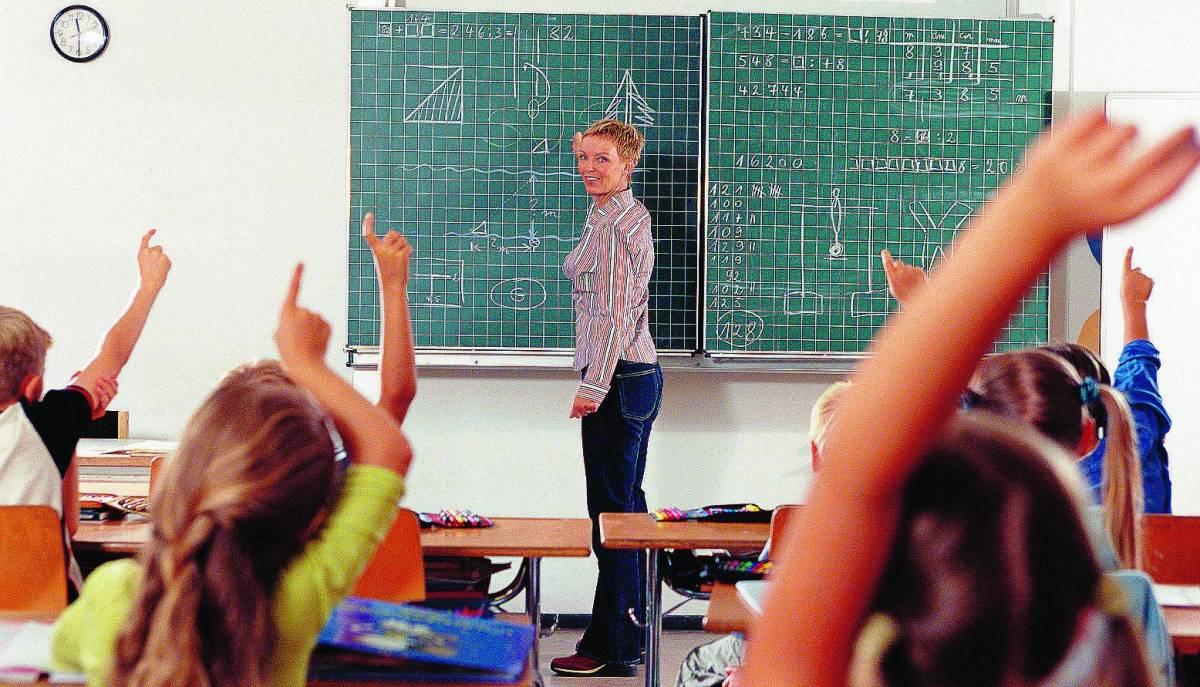 Scuola: mancano all'appello mille maestre