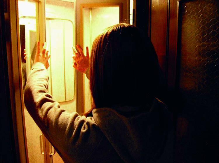 Preso per strada il maniaco che aggrediva in ascensore