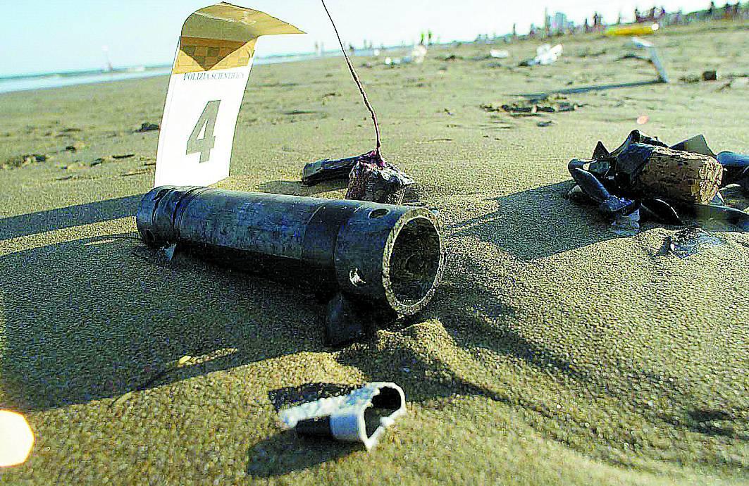 Pordenone, allarme Unabomber  Trovato tubo con bulloni