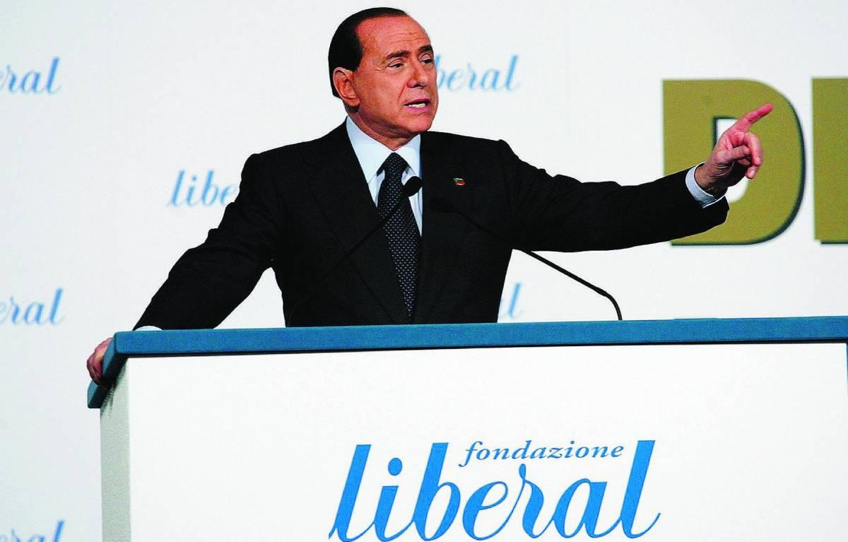 Berlusconi: «Paese umiliato» Ma apre sulla legge elettorale