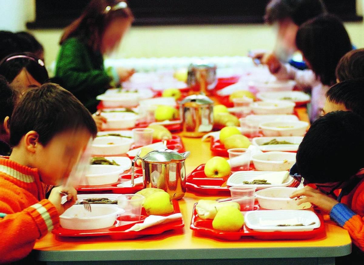 Carne agli alunni in Quaresima, scuola in rivolta