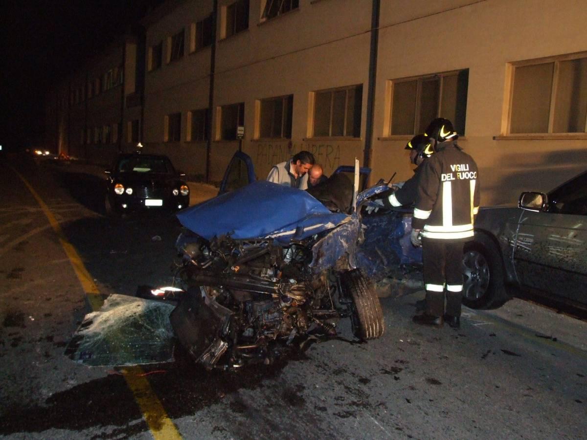 Sabato sera, la velocità uccide altri 5 giovani