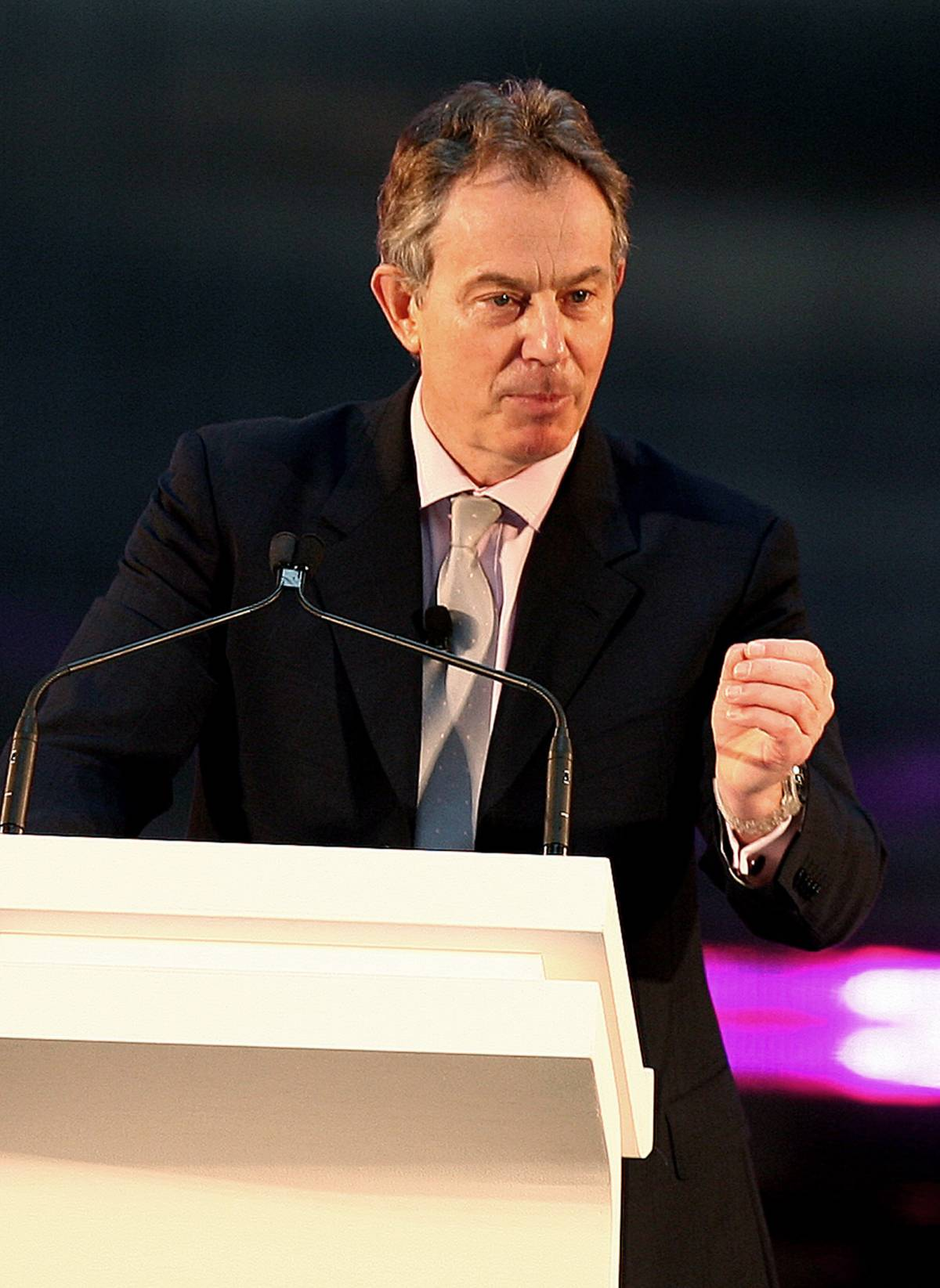 """Blair spazientito con l'Italia: """"Dovete inviare più truppe"""""""