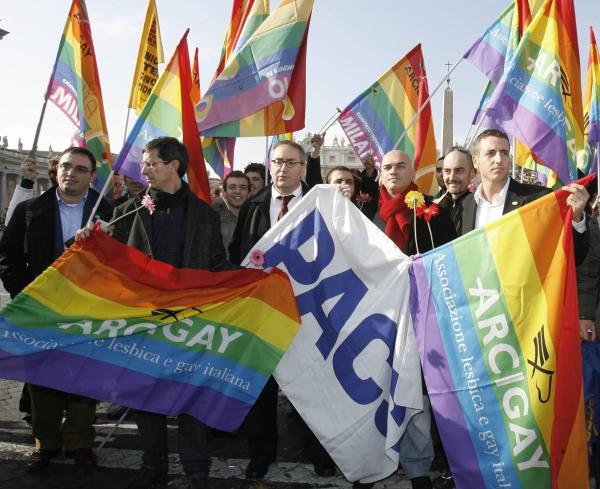 In piazza per i Dico: è scontro tra i ministri