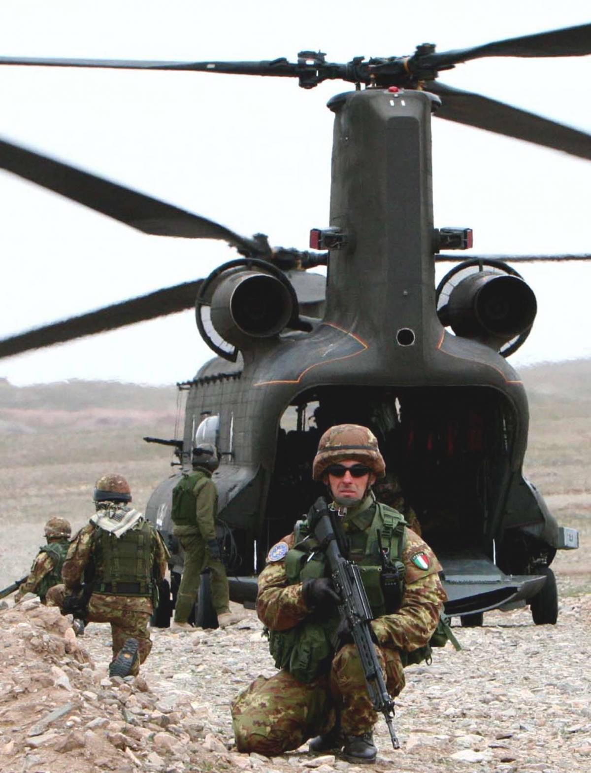 Prosegue l'offensiva delle truppe Nato nel Sud per isolare i guerriglieri talebani