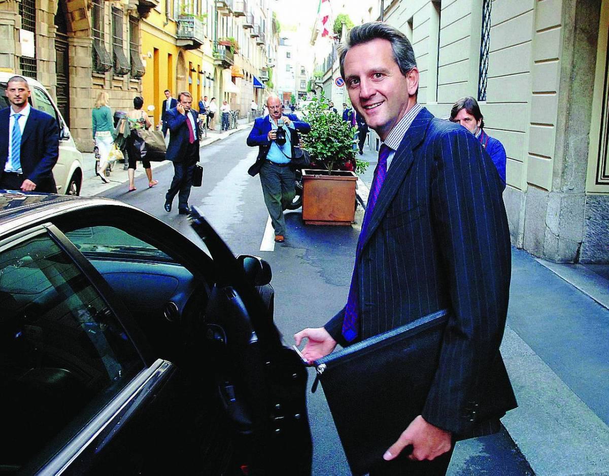 Mediobanca: «Generali guardi all'estero»