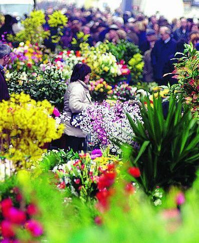 «Tredesin de marz», tripudio di fiori a porta Romana