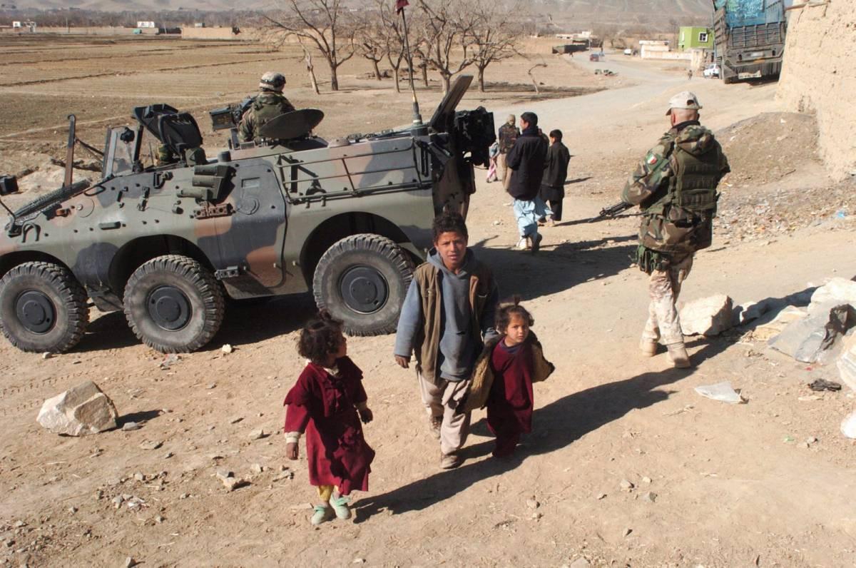 """Le condizioni dei talebani: """"Ritirate le truppe e liberiamo il giornalista"""""""