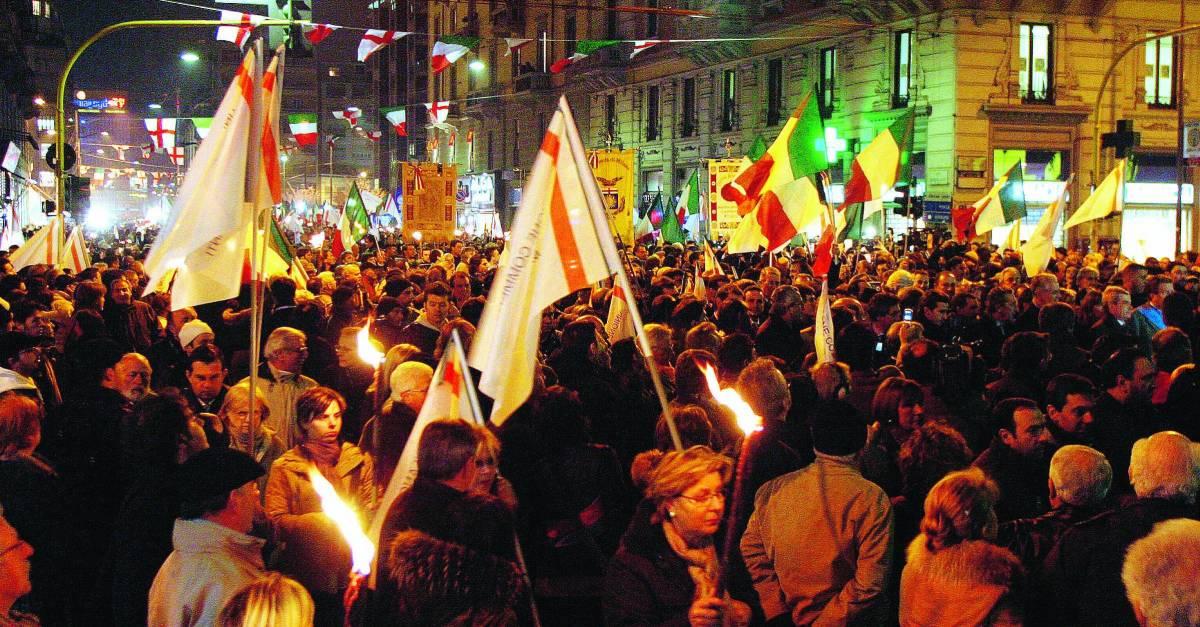 La polizia: «Sfileremo nel corteo a Milano mancano 500 uomini»