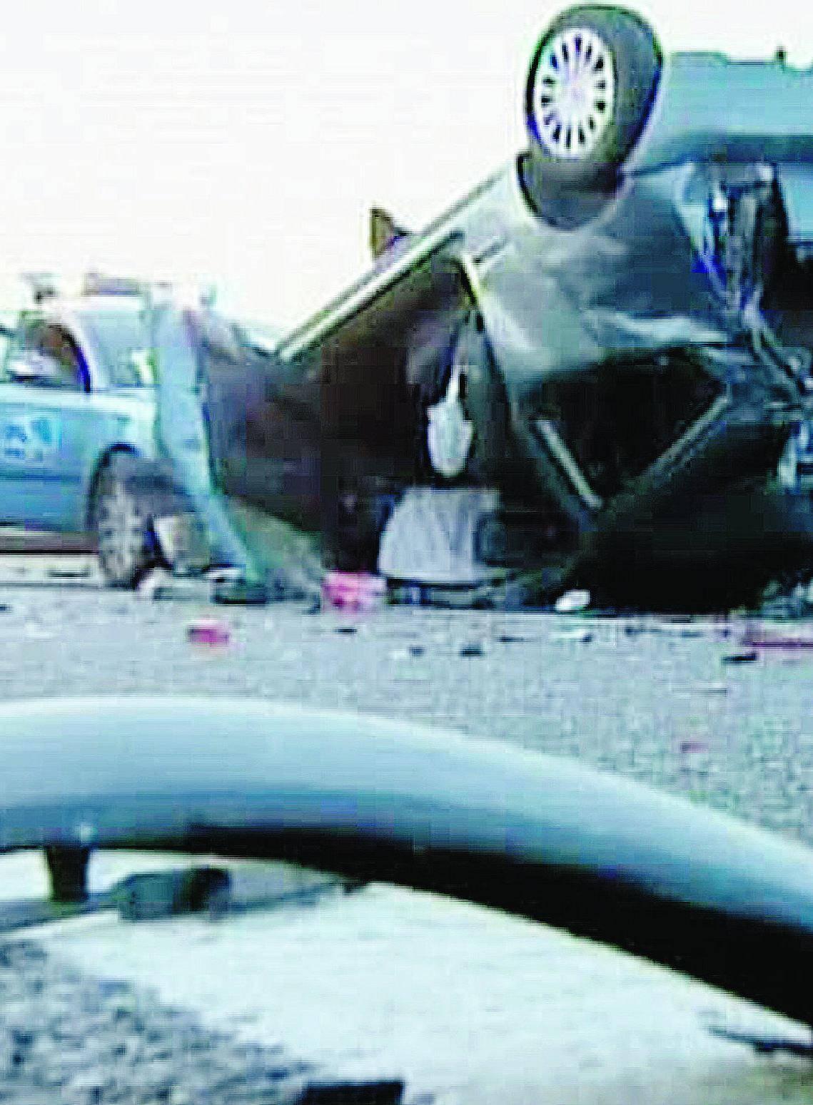 Schianto alla barriera dell'Autolaghi: un morto e undici feriti