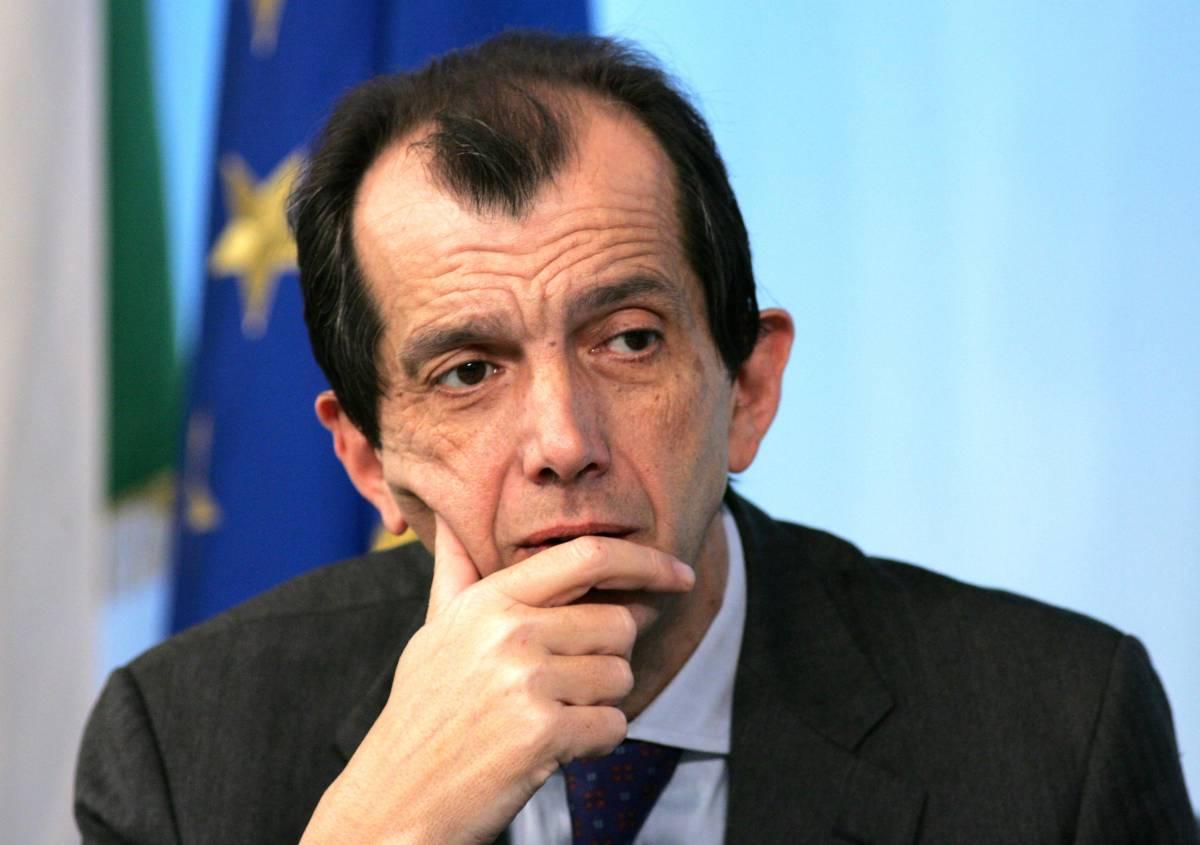 Il premier promuove Sircana: sarà l'unica voce del governo