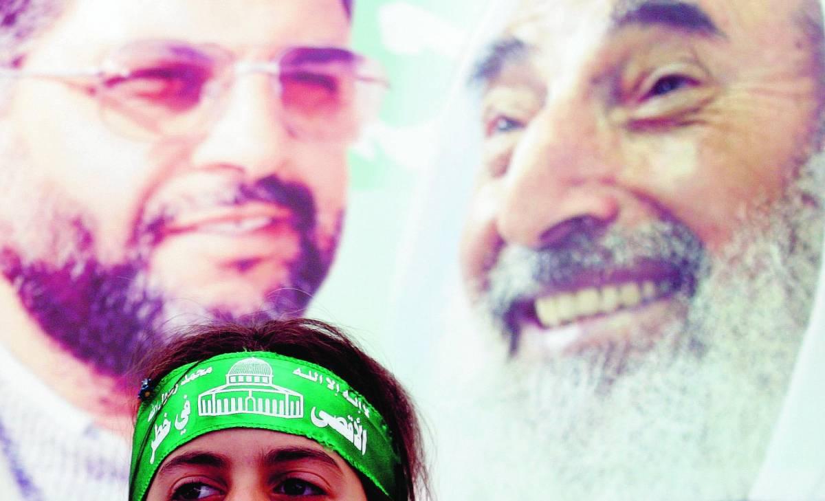 Craxi toglie l'embargo a Hamas Fini: «Siete degli irresponsabili»
