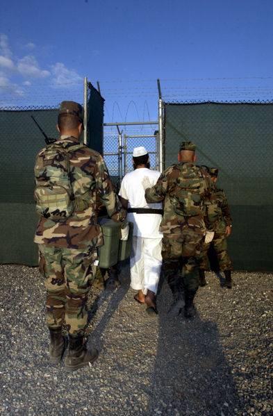 """Il segretario alla Difesa degli Stati Uniti: """"Chiudere al più presto Guantanamo"""""""