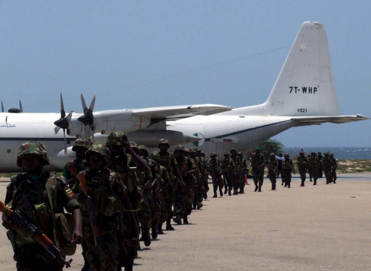 Mogadiscio, aereo abbattuto datrerazzi