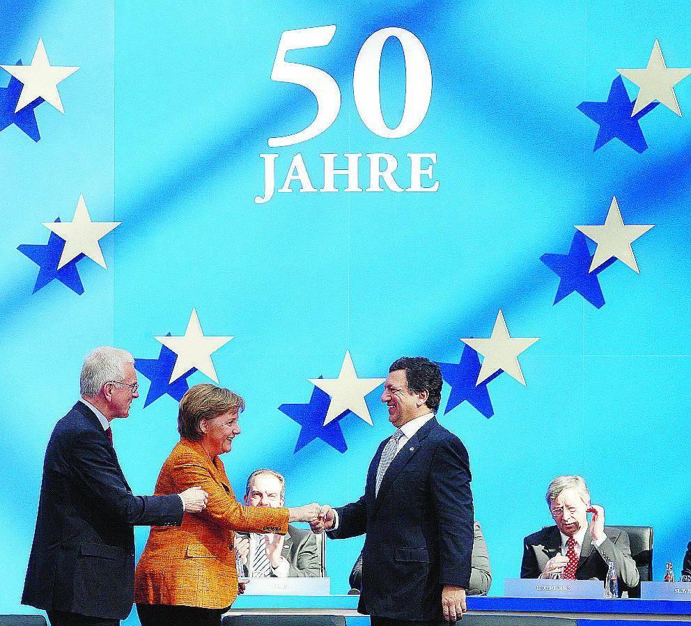 La Merkel: 6 mesi per la nuova Costituzione Ue