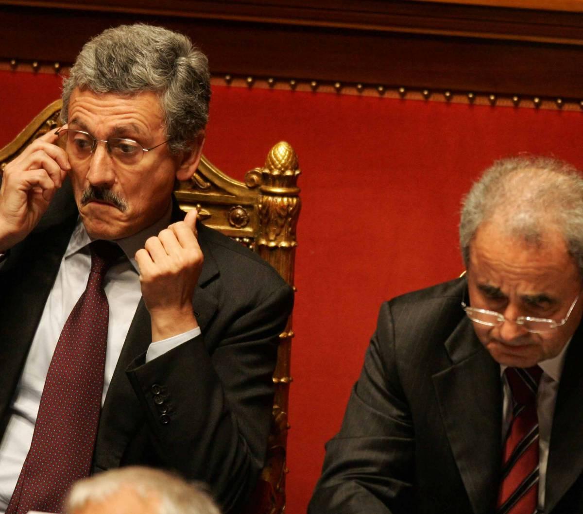 """Il """"soccorso bianco"""" di Casini  aiuta Prodi. Berlusconi attacca:  """"Non ha i numeri per governare"""""""