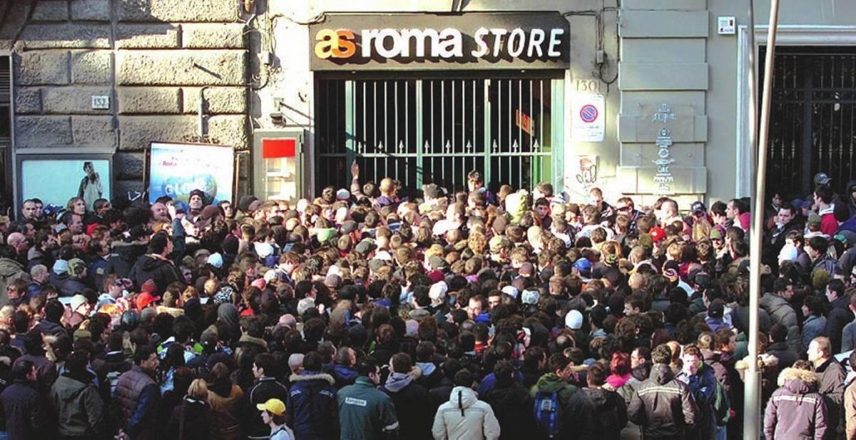 È febbre per Roma-Manchester: curve e distinti sud già esauriti
