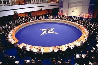 La Nato critica l'Italia: non si tratta coi terroristi