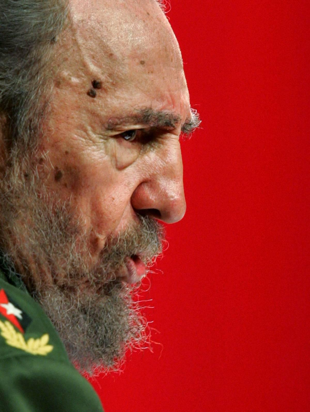 Castro editorialista contro Bush
