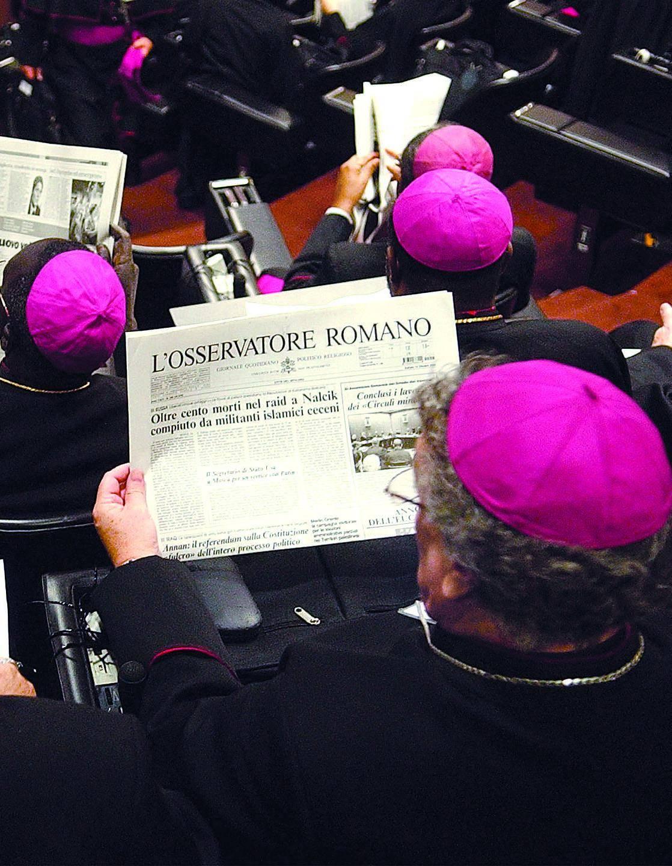 """Il prelato difende il testo sulla famiglia approvato dalla Cei: «Non è """"conservatore"""", ma autenticamente missionario e segue la traccia impostata dal Papa» «Il no ai Dico è un impegno per i cattolici» Il vescovo di San Marino, Luigi Negri replica"""