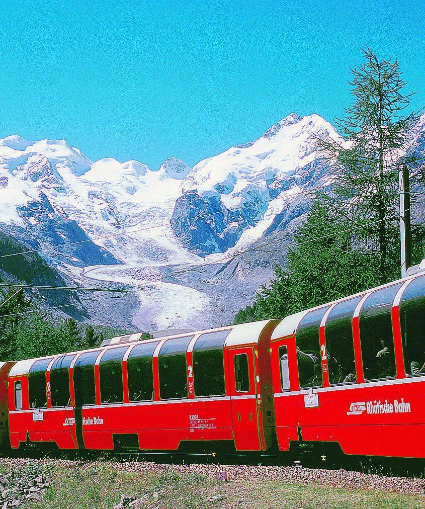 Sul trenino rosso che si arrampica tra ghiacci e creste