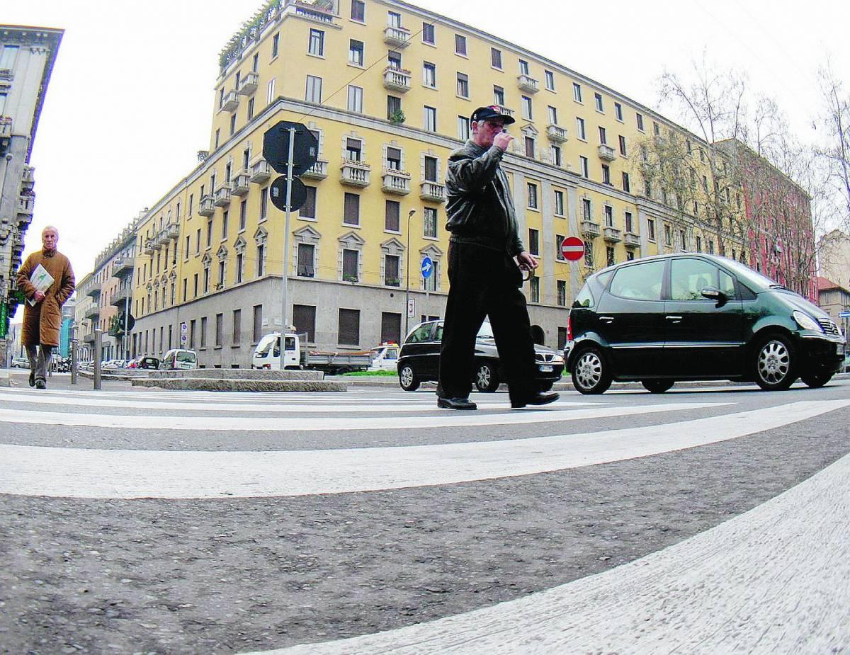 Troppi incidenti , i cittadini bloccano il traffico
