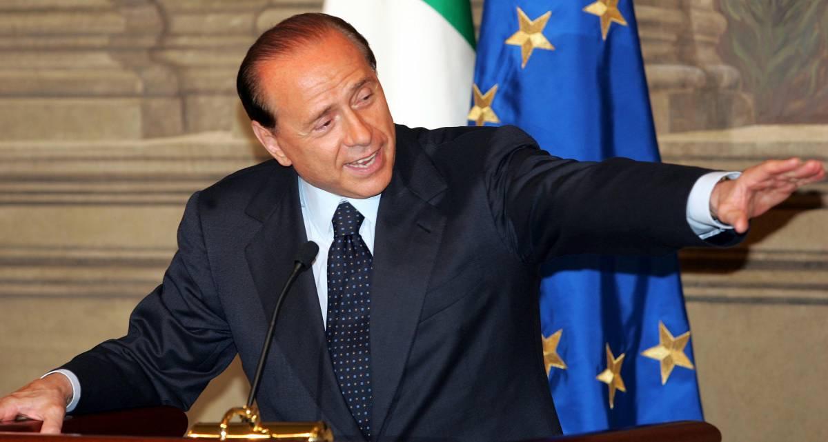 Berlusconi: al governo c'è  solamente un gruppo di potere