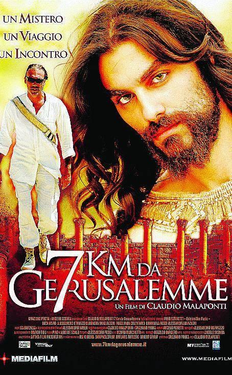 Gesù  sorseggia una bibita:  la scena scatena la polemica