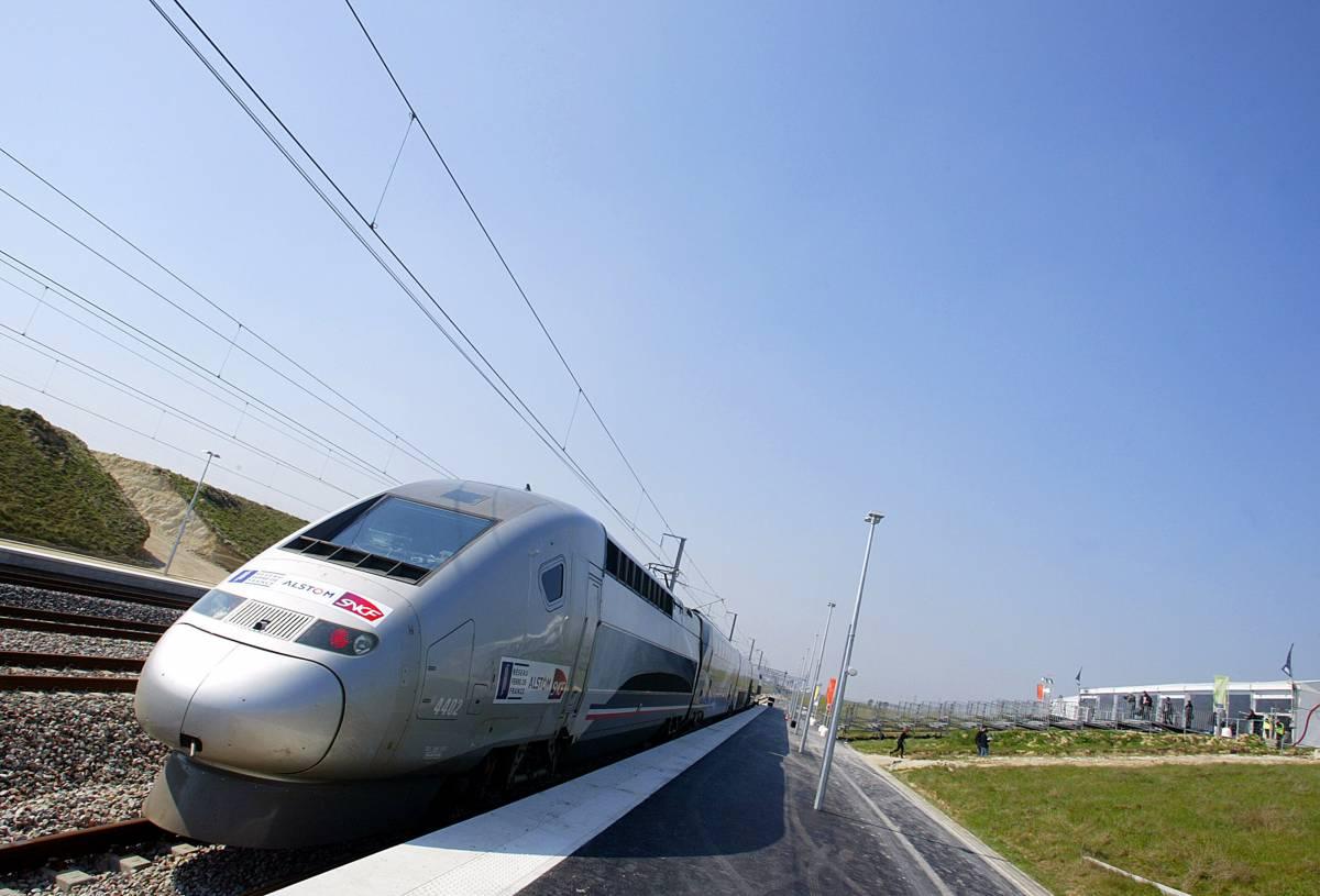 Il Tgv batte il record di velocità su rotaia