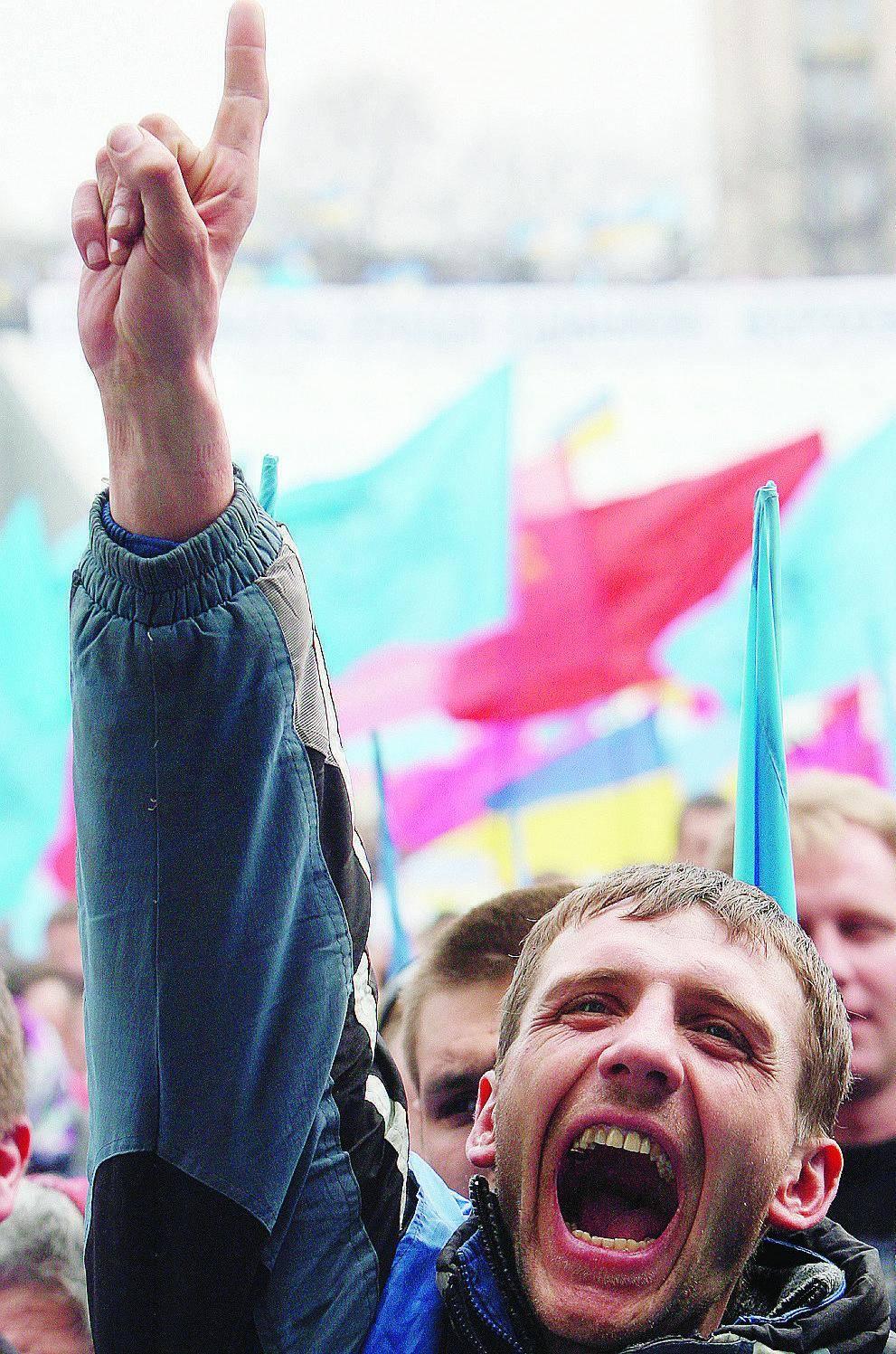 Ucraina, filorussi in piazza La crisi in mano ai giudici