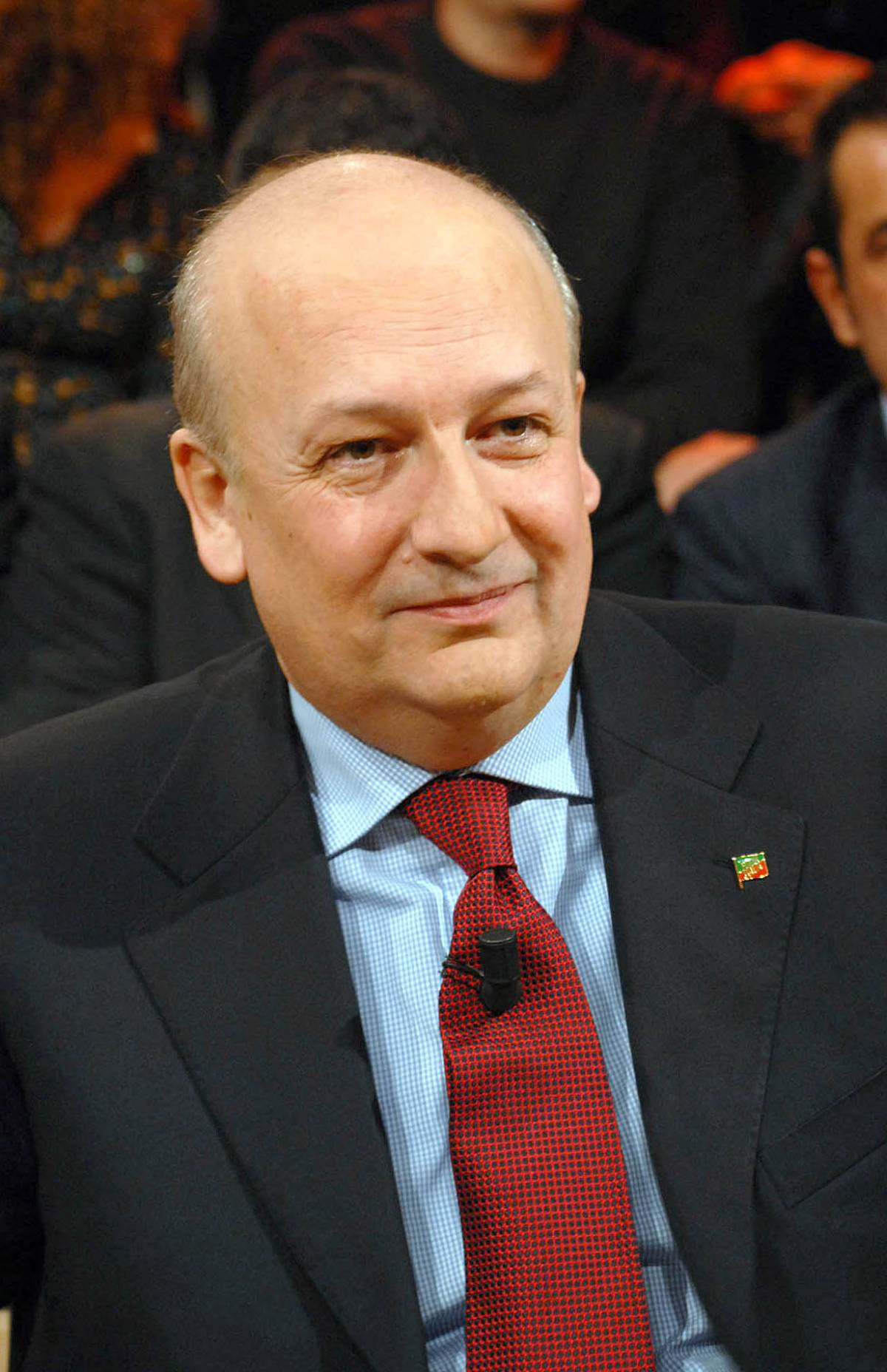 Bondi contro Bersani: lavora dietro le quinte