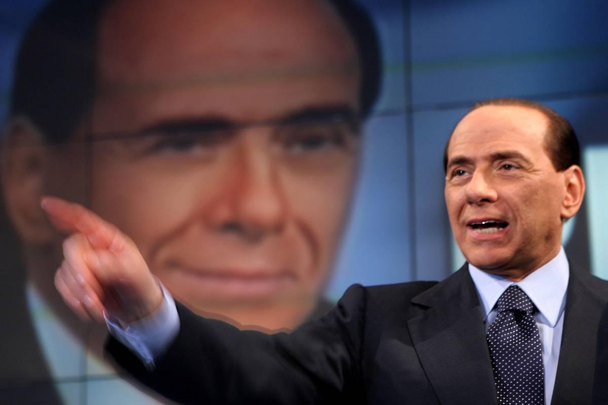 """Kabul, appello di Berlusconi: """"Non danneggiamo il Paese"""""""